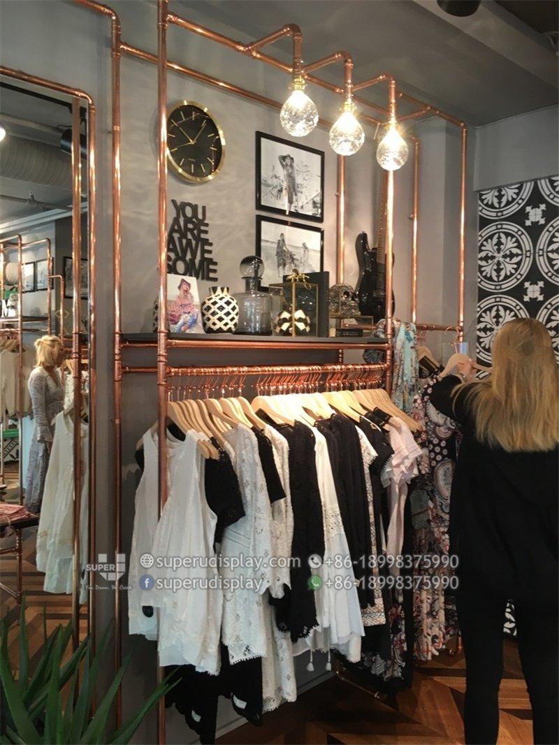 2006d3f274cd Diseño e Interiorismo Tiendas de Ropa de Mujer para Classique